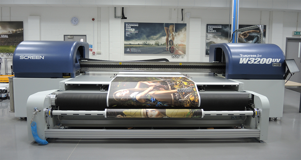 SCREEN to Debut Roll-to-Roll Capabilities for High-Speed Flatbed Truepress Jet W3200UV HS at FESPA 2015